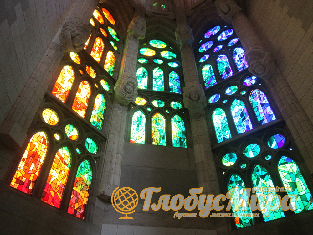Церковь Саграда - витражи