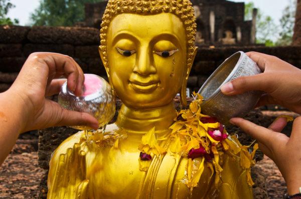 Традиции тайского Нового года
