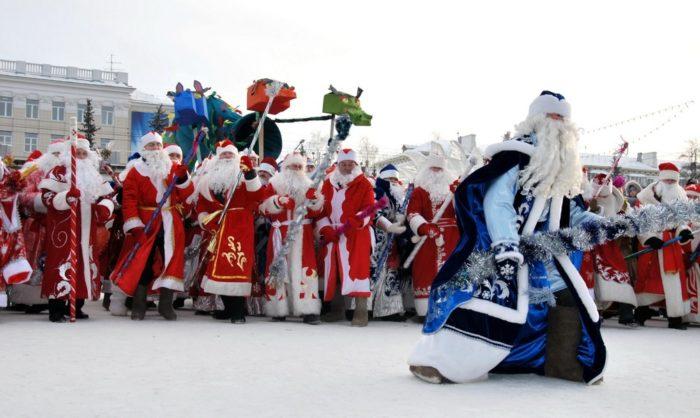 Фестиваль Дедов Морозов на Московской площади