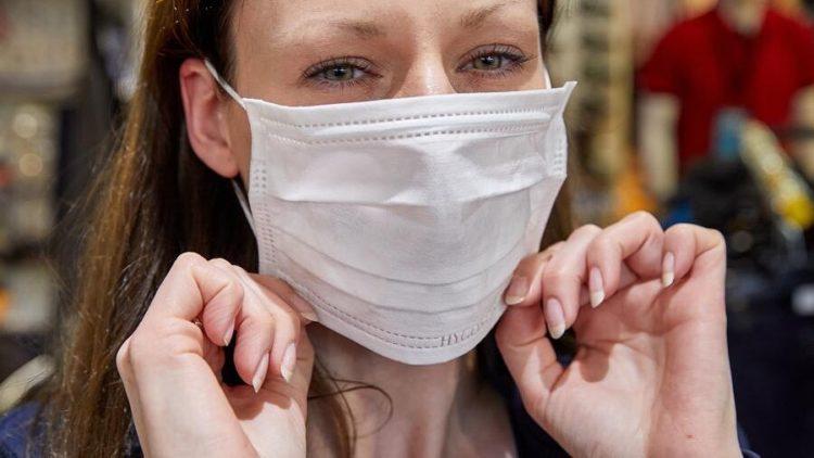 надевать медицинские маски